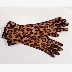Authentic Dolce & Gabbana leopard gloves